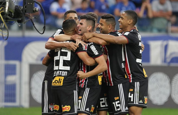 Não se esqueça de mim! Lei do ex funciona e São Paulo vence Cruzeiro -  SportsManaus 4037b86044b70